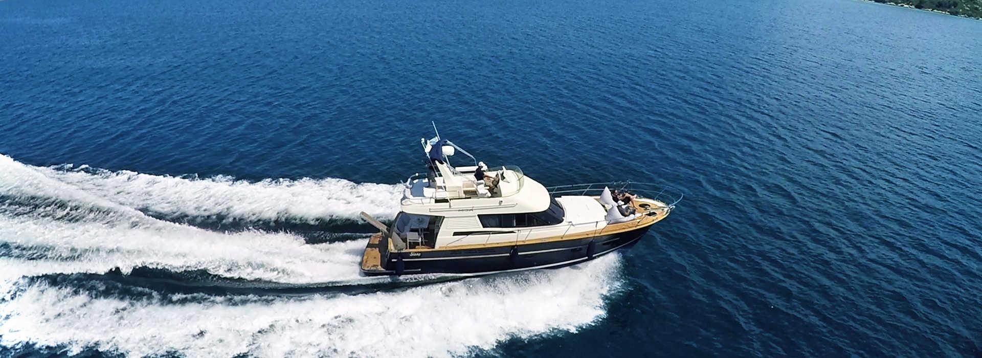Ενοικίαση σκάφους γιοτ για κρουαζιέρες στην Χαλκιδική